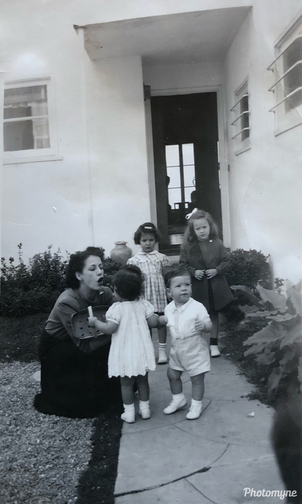 Visiting my cousins. USA 1947