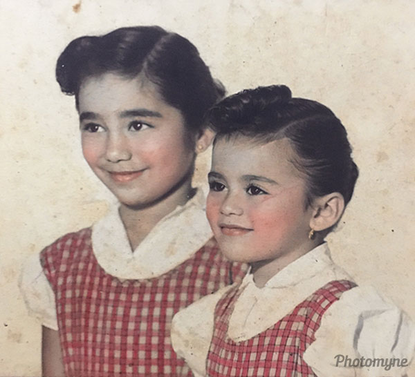 Mi mamá y mi tía en su infancia (My mom and aunt in their childhood). Mexico 1958