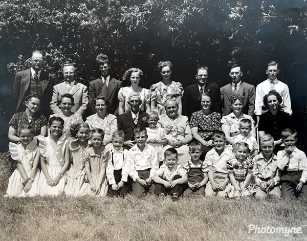 Family photo: Charlie and Ida Nordquist's 50th wedding anniversary. USA 1949