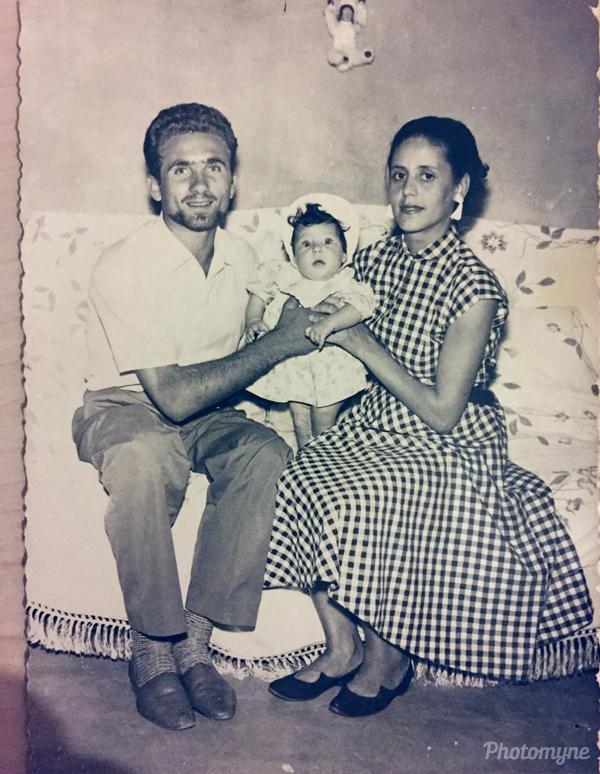 Mi sorella ed i miei genitori (my sister and my parents). Italy 1955