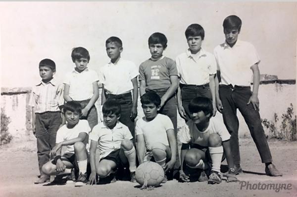 En mi equipo de fútbol de 6o año (My soccer team, at 6 years old). Mexico 1974