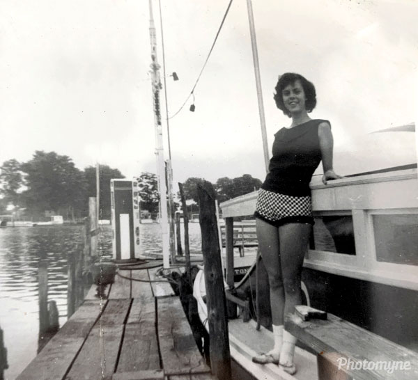 Mom. USA 1958