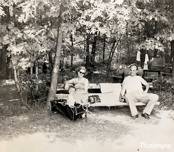 Kathleen with parents Dan and Genevieve. NY, USA 1949