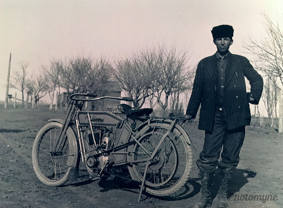 Early motorcycle! Nebraska, USA 1910