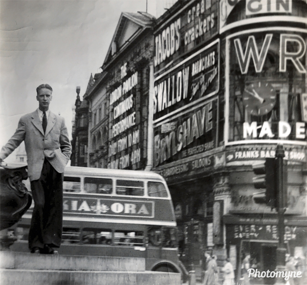 Jalle at Picacadilly Circus. United Kingdom