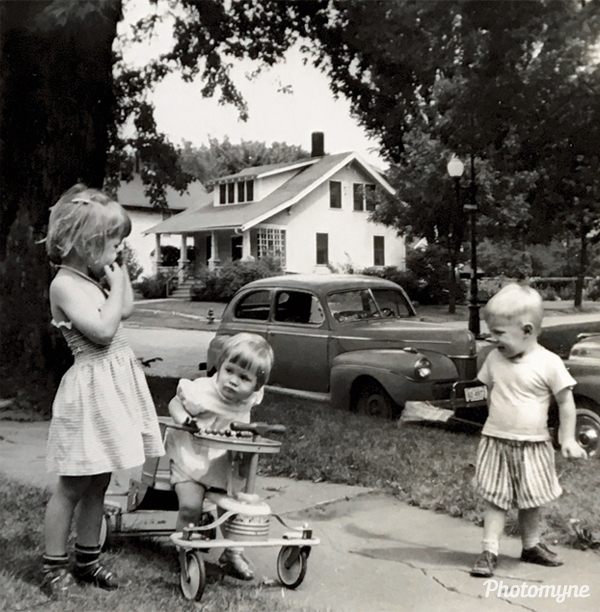 Great candid photo of 3 of my cousins. IA, USA 1957