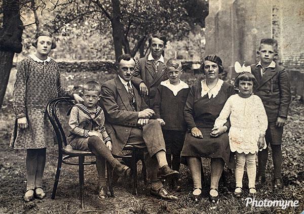 Familie Gremmen (The Gremmen Family). The Netherlands 1930