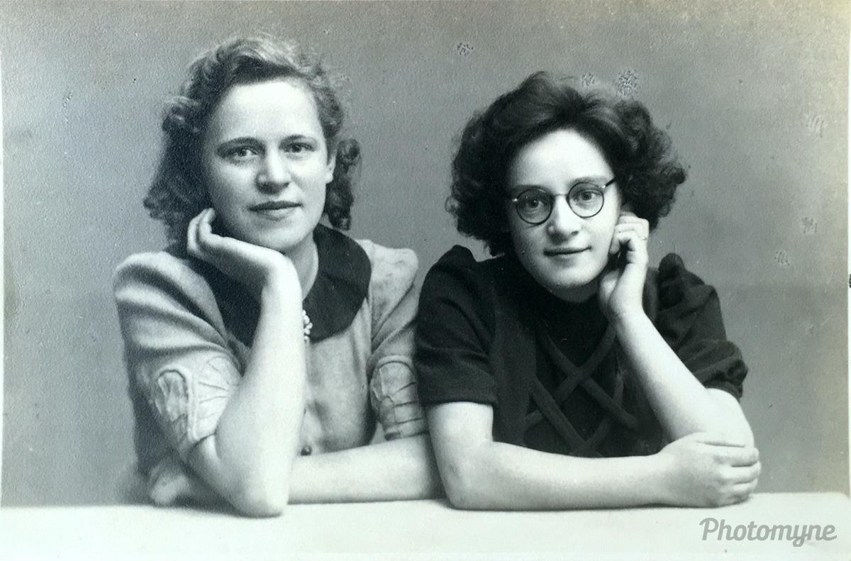 Twee leuke dames, Netherlands, 1900