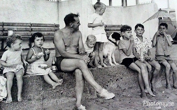 Petone Beach, Cleland and Hill families. New Zealand 1956