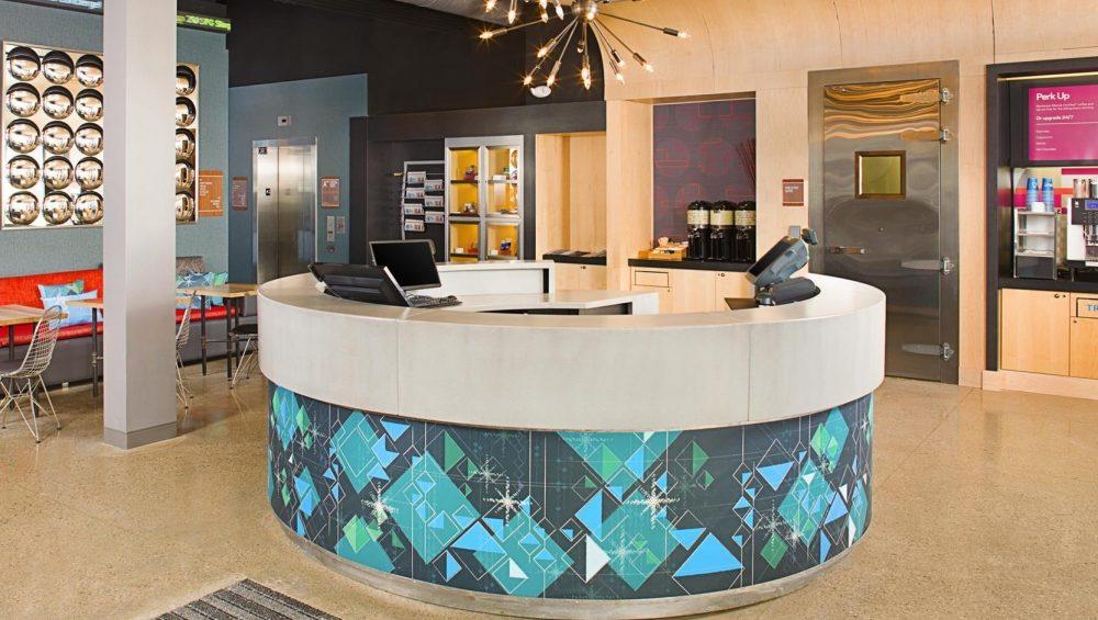 Aloft Hotels, Front Desk 6