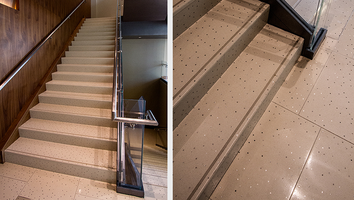 Superbe Aria Hotel And Convention Center: Stairs 0