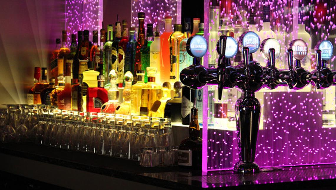 Santa Ana Casino: Back Bar 3