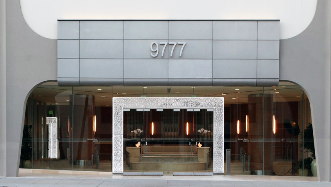 Beverly Hills Gateway 4