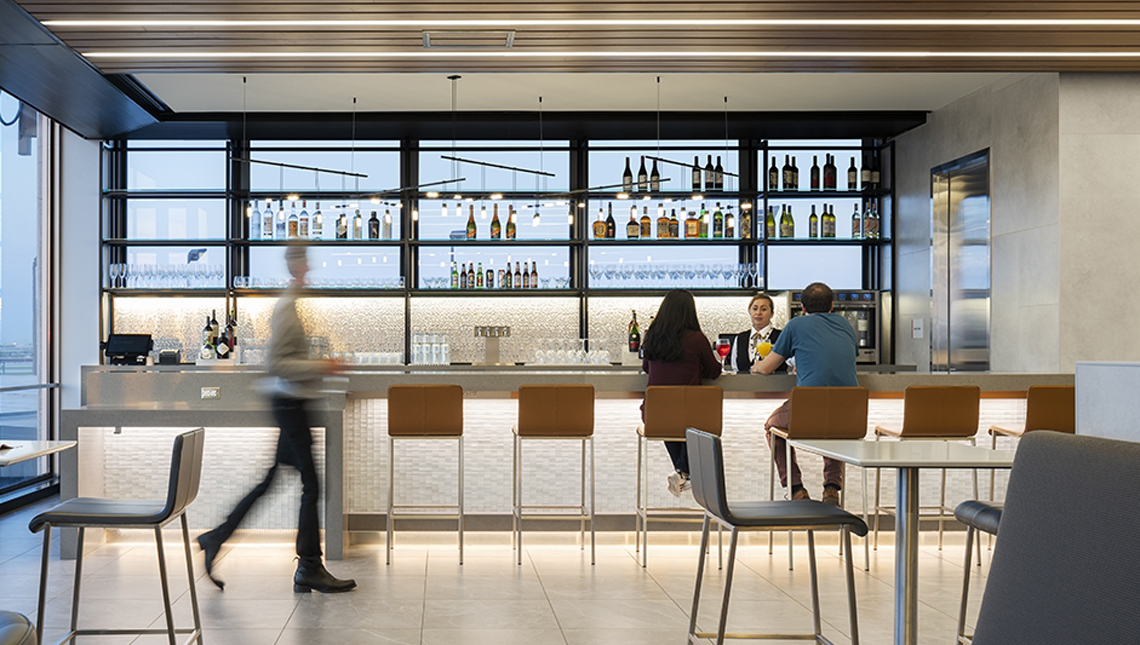 American Airlines, Admirals Clubs 0