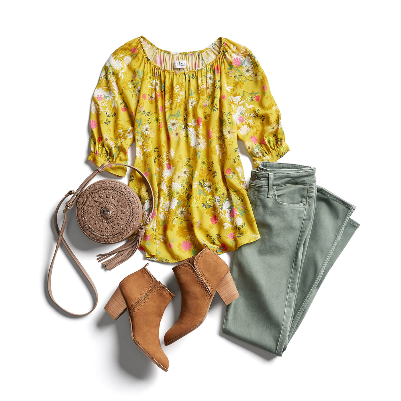 02b91dda8 What are the best tops for an apple shape? | Stitch Fix Blog ...