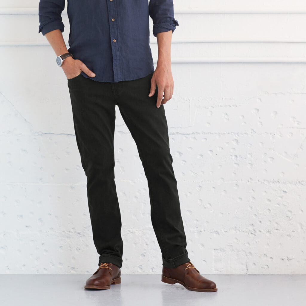 Can I wear brown shoes with black pants