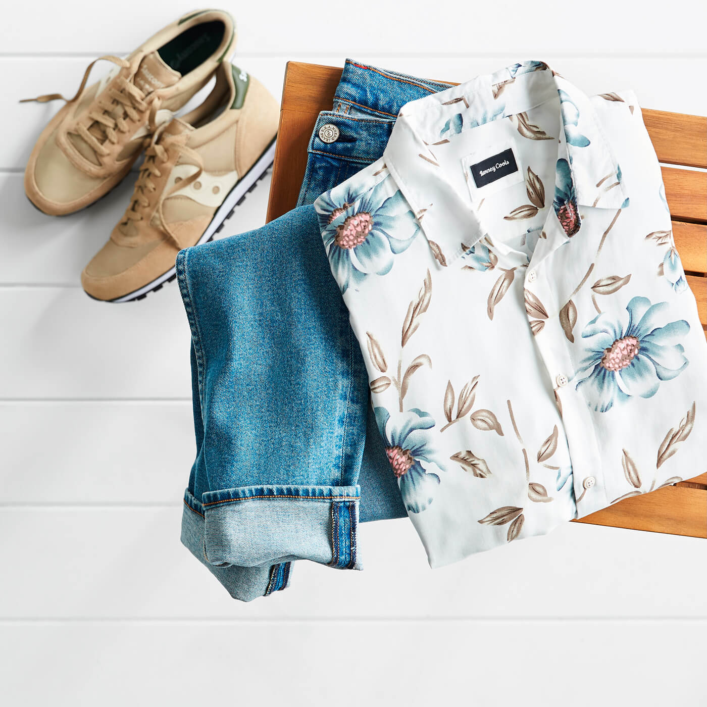 men's hawaiian print shirt and jeans