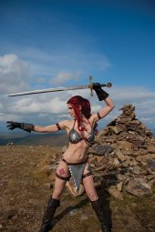 Red Sonja #19 Cover E Decobray Cosplay