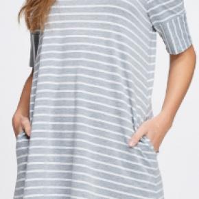 Off the Shoulder Striped Pocket Dress