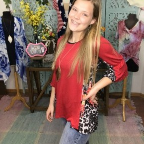 red top w/ animal floral back and ruffle sleeves