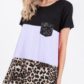 short sleeve animal block top with sequin pocket