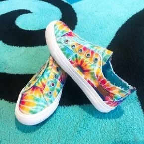 Blowfish Play- Rainbow