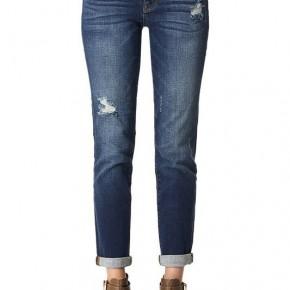 Judy Blue Tapered Slim Fit Jean