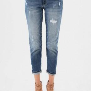 Judy Blue Stretchy Boyfriend Mid-Rise Jeans