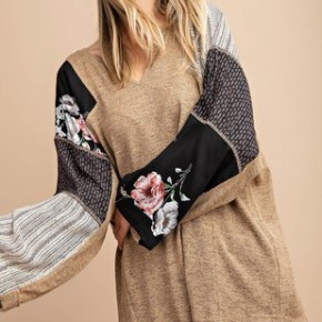 Curvy Floral Mix Print Sleeve - Taupe