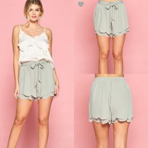 Verde Scallop Shorts