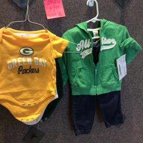 SIZE 18 MOS LIKE NEW LOT 3 ONESIES AND CARTER SET