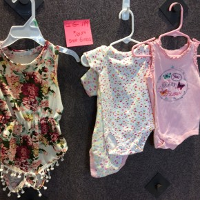 SIZE  6 MOS LIKE NEW LOT OF 3 ONESIES AND ROMPER