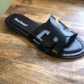 Black Detailed Sandal
