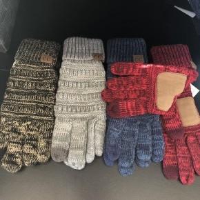 Two toned smart swipe gloves