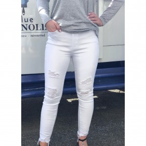 All In White Skinnies