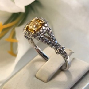 Natural Yellow Diamond Solitaire Ring 18K