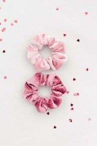 2 Pack Blush And Rose Velvet Scrunchie