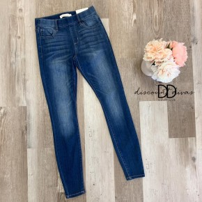Mid Rise Pull On Crop Skinny with Rolled Cuff