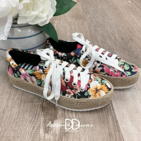Floral Print Sneaker