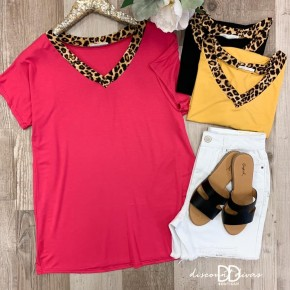 Short Sleeve V-Neck Top With Animal Print Detail