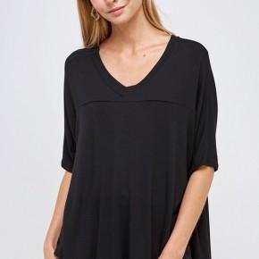 Knit Solid V Neck High Low Top in Black