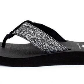 Yellowbox Fowler - Dark Gray Flip Flop