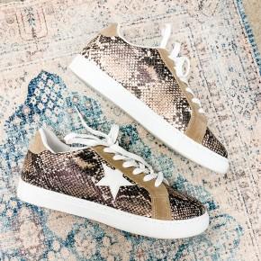 Vegas Babe Sneakers