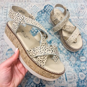 The Stacey Wedge Speckled