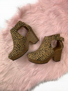 Walk On By Wedge Cheetah
