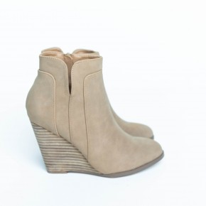 Take a Walk In Her Wedges