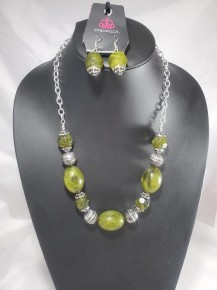Ice Melt - Green Necklace