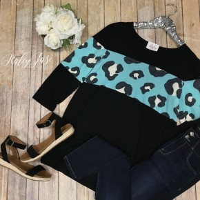 Black 3/4 Sleeve Mint Leopard Top