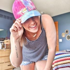emi tie die hat (BRIGHT)
