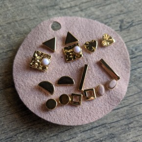 gold stud earrings set